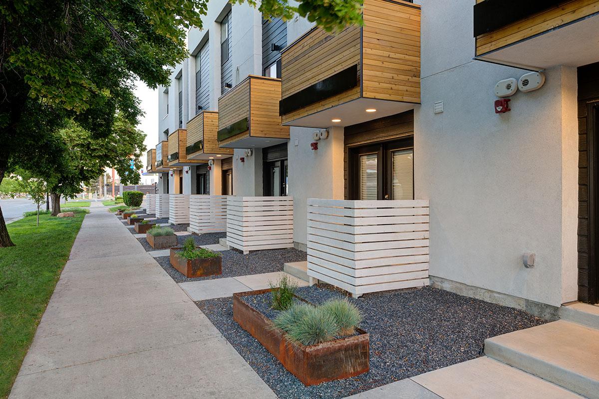 Modern-Townhouse-Design-03